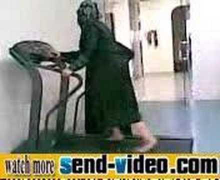 Saudi Woman Vs Treadmill