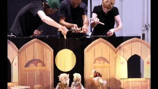 Les Petites Marionettes