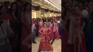brides dance on the song  pura londan thumak da