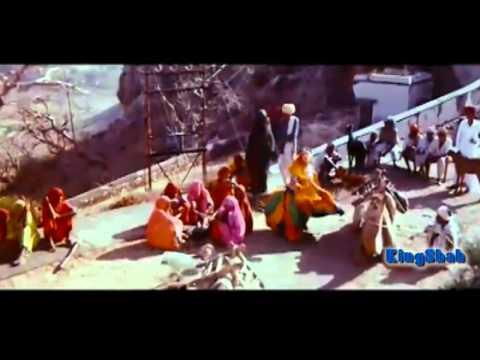 Ghoonghat Ki Aad Se HD 720p  Amir Khan Juhi Chawla - Kumar Sanu & Alka Yagnik