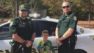 Little Boy Calls 911 to Invite Sheriff's Deputies to Thanksgiving Dinner