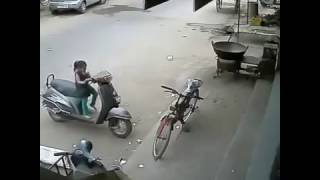 Funny Komedi Video   Küçük Kızın Yaptıklarına Bakın Hele   VideoDiyarı 2 HD   Dailymotion Video
