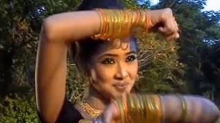kinede reshmi churi  (Mithila parvin)