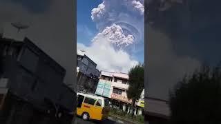 Video Amatir Erupsi Gunung Sinabung
