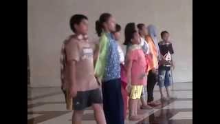Anak Sanggar Seni Grisbon Latihan Persiapan Festival di Gedung Kesenian Makassar