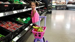 Little Girl Doing Grocery Shopping/ Super Market Song/ Kids Songs