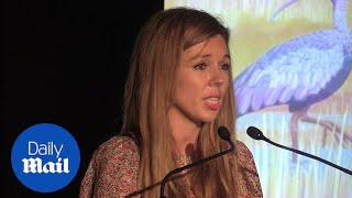 Carrie Symonds 'tries to take a canvas bag to the supermarket'
