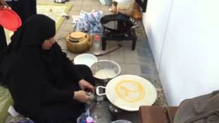 How to make traditional Regag bread from UAE