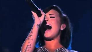 Vocal Battle : Demi Lovato vs Selena Gomez - Live