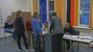 الانتخابات التشريعية: الألمان يباشرون الإدلاء بأصواتهم وسط توقعات بولاية رابعة لميركل
