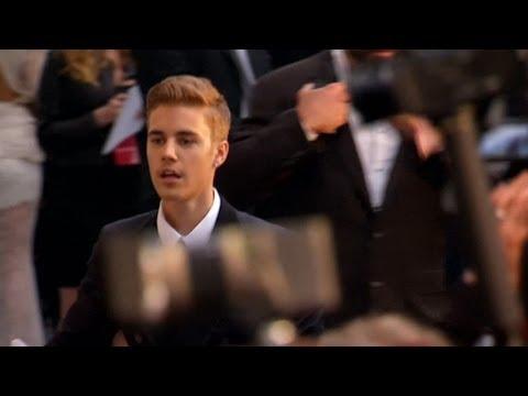 Xxx Mp4 Justin Bieber John Travolta And Aishwarya Rai Lead The Arrivals For Annual AIDS Research Event 3gp Sex