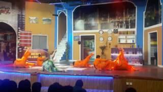 khushboo dance garma garam wadey wadey lado