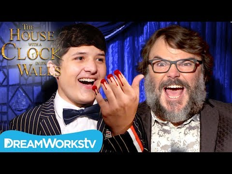 Severed Finger Trick Terrifies Jack Black I The House with a Clock in Its Walls