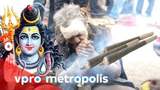 Making a joint for God Shiva in Nepal - vpro Metropolis