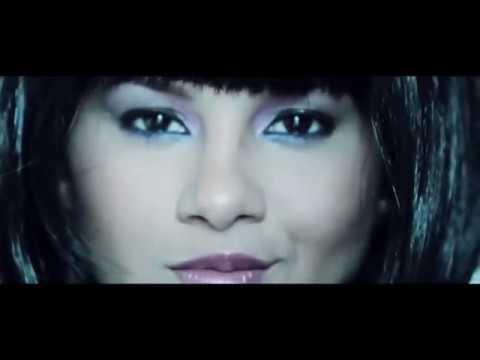 Kathy García El desnudo completo de la modelo en su video Natural . 2013