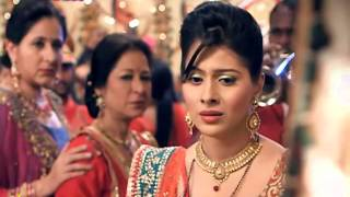 Devika is caught in a dilemma  What will she choose   her mother
