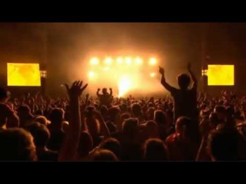 Two Door Cinema Club - What You Know (Reading Festival 2012)