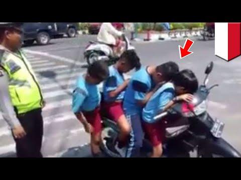 Xxx Mp4 Cabe Cabean Kalah Bocah SD Bonceng 4 Tanpa Helm Ditilang Polisi TomoNews 3gp Sex