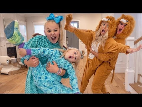 ULTIMATE ONESIE DANCE BATTLE AGAINST EVERLEIGH & JOJO SIWA!!!