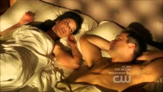 Annie and Caleb - In bed together - 90210 - 4x22