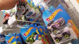 """""""Toys r Us"""" """"hot wheels"""" morning hunt - cool cars"""