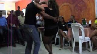 Bailando bachata Dominicana  sexi pero con  estilo 2011