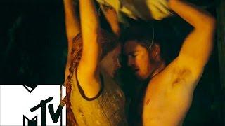 CHRIS HEMSWORTH & JESSICA CHASTAIN'S STEAMY LOVE SCENE BEHIND THE SCENES | MTV
