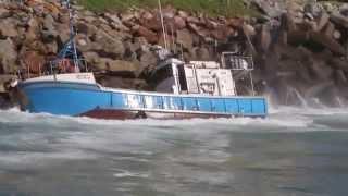 St Francis Bay: Sinking of Sikelela Chokka Boat at Port St Francis. 27-8-14. Linda Collison. HD