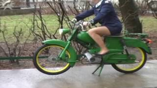 5 Clip Hot Girls and Bikes Hard Revving
