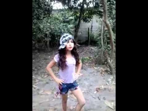o fenomeno de caraguatatuba menina dançando muito