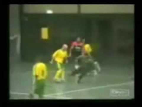 Cristiano Ronaldo vs futbol callejero