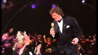 Lee Towers - Knock on Wood (Gala of the Year 1988)