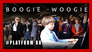 Boogie-Woogie at the  London Underground Station. Plays Olivier (9 years old) #platform88