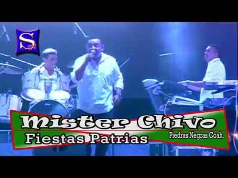 Mister Chivo en la Macro Plaza