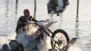 『トリプルX:再起動』 モトクロス・マーシャルアーツ、水上バイクサーフィンシーン メイキング映像