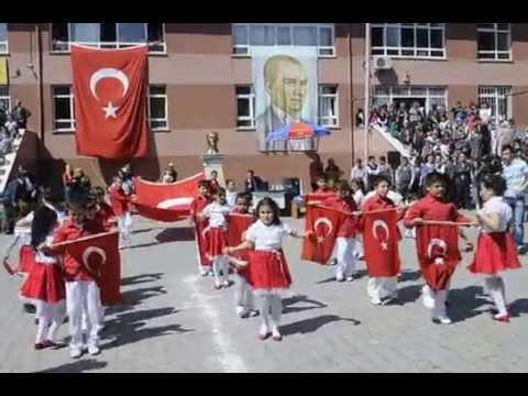23 Nisan Gösterisi Bayrak Marşı Beycuma