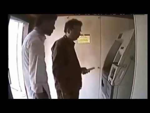 सिर्फ 1 मिनट देकर ये वीडियो देखलो ,आगे जो हुआ हैरान कर देगा atm machine