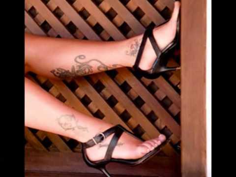 thong sandals feet woman