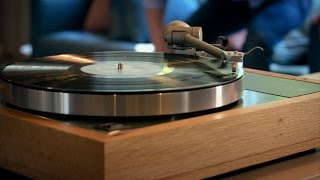 How Does a Turntable Work?