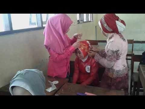 Lomba kreasi hijab dalam rangka memperingati hari Kartini-Smp N 1 Godong
