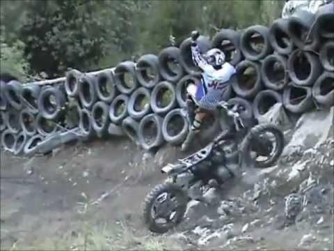 Subidas imposibles en motos de enduro Hill Climb . Lo harian con una trialera Comenten