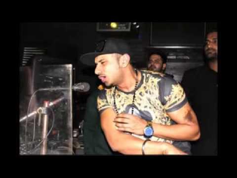 Xxx Mp4 DjPendu CoM Chut Choot Na Mile Yo Yo Honey Singh Funny Spoof Parody Song 2014 3gp Sex