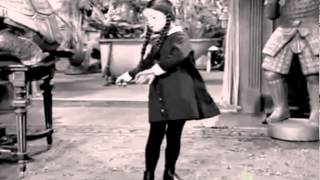 Addams Family dancing Blitzkrieg Bop by The Ramones