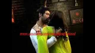 Kumkum Bhagya:Drunk Abhi romances with Pragya
