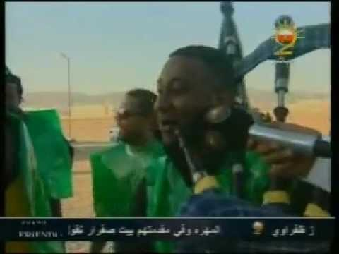 مشجعي نادي الأتحاد العماني قبل مبارة الكأس مع ظفار