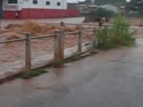Enchente em Rolim de Moura RO 30 12 2012