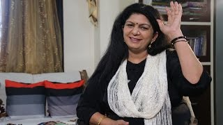 Hindi Poetry at its Best! Dr Sarita Sharma's heart touching poetry and soulful rendition