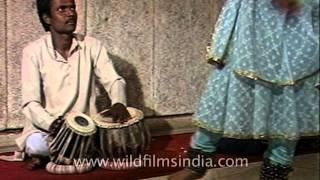 Saswati Sen demonstrates basic elements of Kathak dance