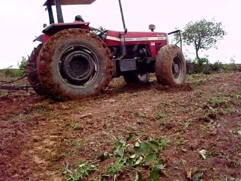 Trator Massey Ferguson 292 turbo escalando subida com muito barro Part. 1