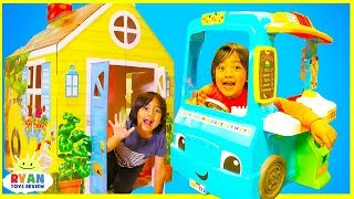 Ryan Pretend Play with PlayHouse and Cooking Food Truck